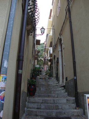 steps in Taormina