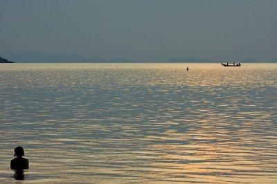 Fishing_bo..d_woman.jpg