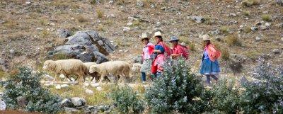 Huaraz_locals.jpg