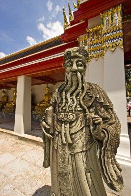 Statue_at_Wat_Pho.jpg