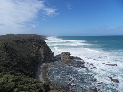 cliffs_and_sea.jpg