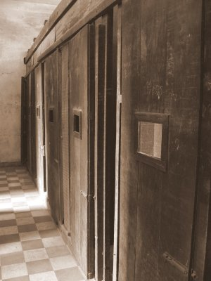 prisons at Tuol Sleng Museum