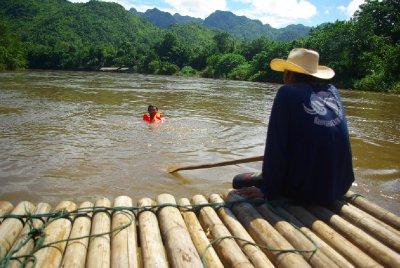 Raft z bambusu a Honzik