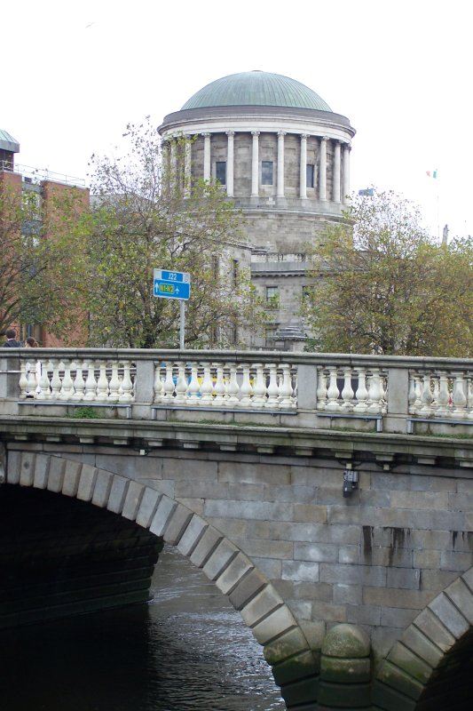 Oct 31 - Ireland - Dublin - Four Courts in background