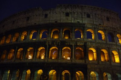 Colloseum_at_night.jpg