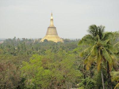 Shwemawdaw-Pagoda01
