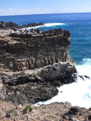 Easter Island10 - cliffs