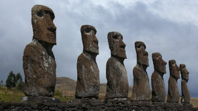 Easter Island07 - Moais