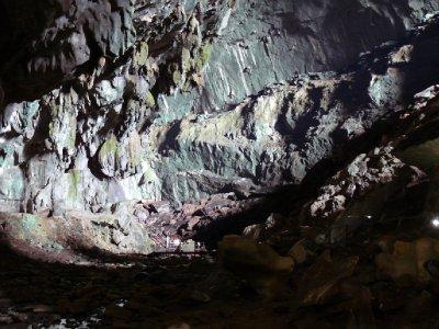 Deer Cave04