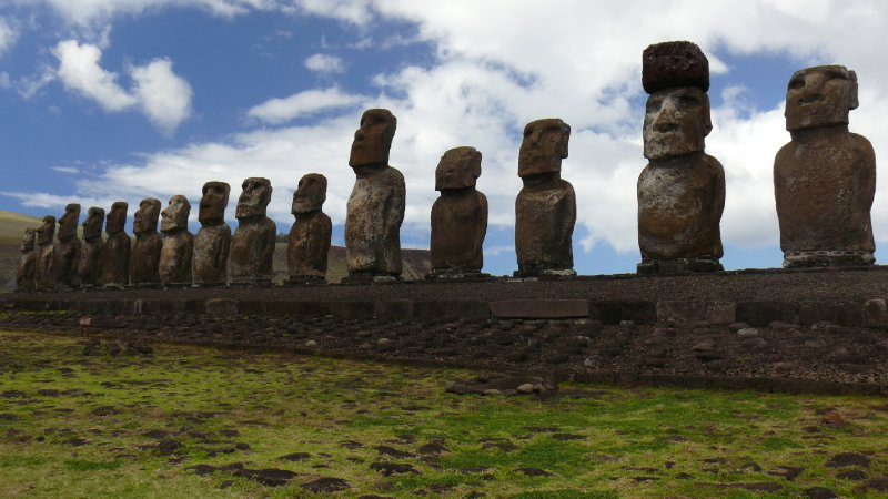 Easter Island04 - Moais