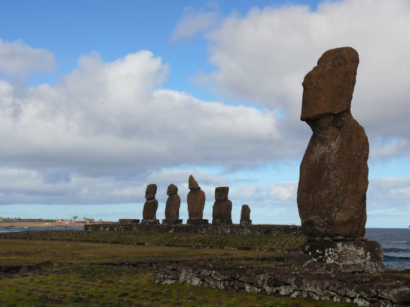Easter Island02 - Moais