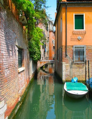 Venice_Canal.jpg