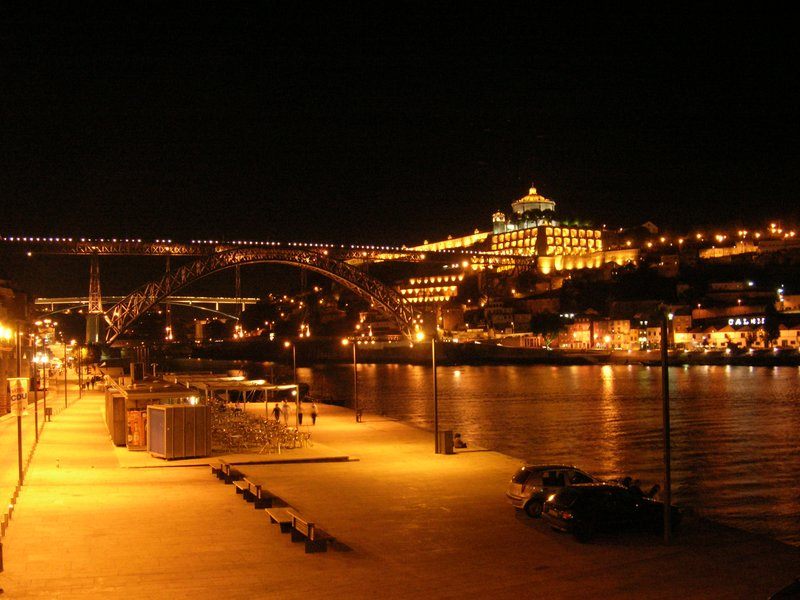 Douro River at night (1)