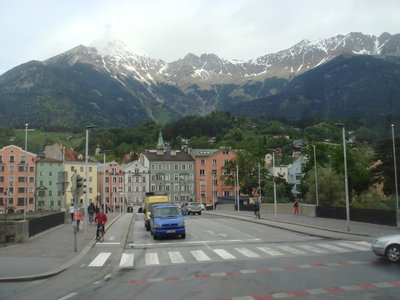 mountains_in_Innsbruck.jpg