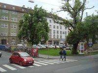 innsbruck_town_square.jpg