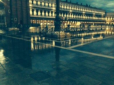 venice_rain_night.jpg