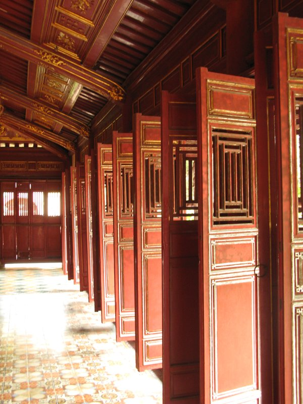 Hue - doors