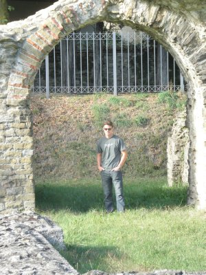 Arezzo_Coloseum.jpg