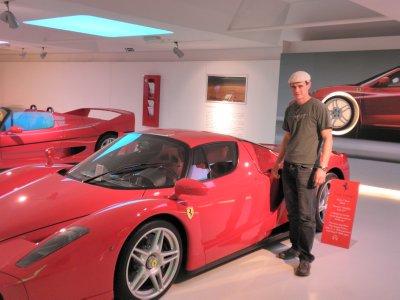 Ferrari_12.jpg