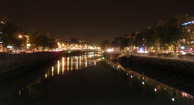 large_Dublin_by_night.jpg