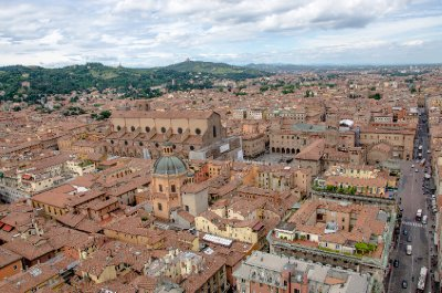 The red rooftops of Bologna