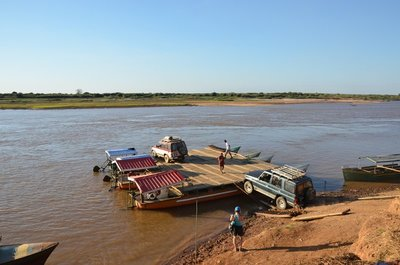 River crossing, Tsiribihina