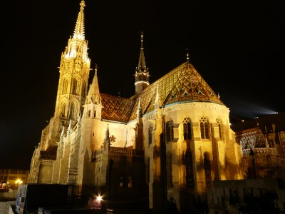 Matthias Church at night