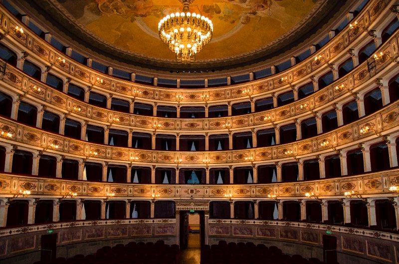 Teatro dell'Aquila, Fermo