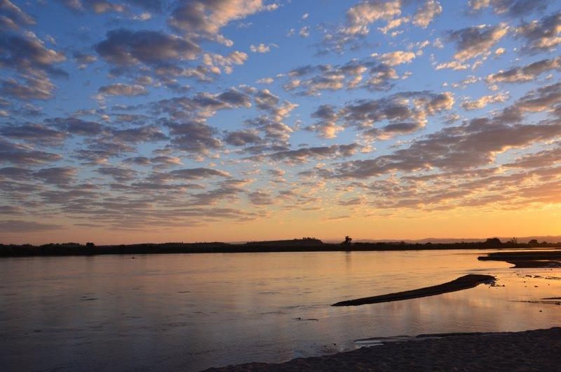 Sunrise, Tsiribihina