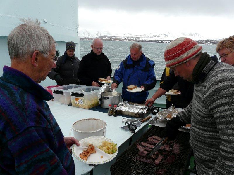 Whale and Salmon lunch, Langöysund