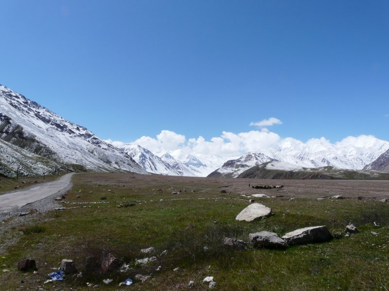 Pamir Highway at the Tajik-Kyrgyz border