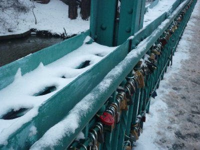 Bridge with locks