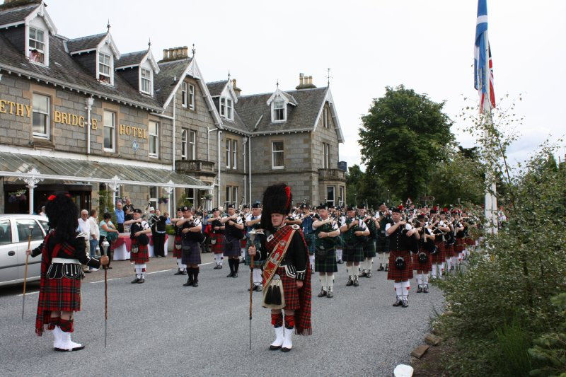 Pipe bands in front Hotel