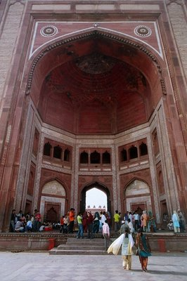 The 54 metre high entrance gate to the mosque at Fatehpur Sikri