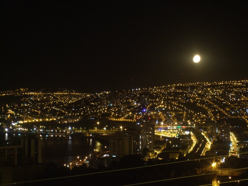 Full moon rising over Valparaiso