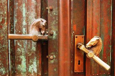 Horse doorhandles