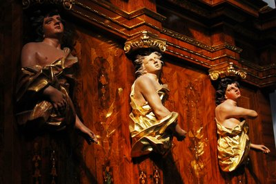 statues in Trier Cathedral