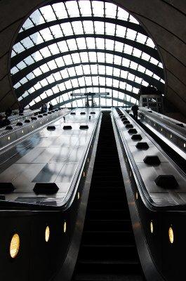 Canary Wharf Tube 7