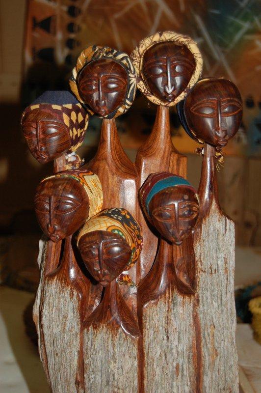 Swazi lady statues