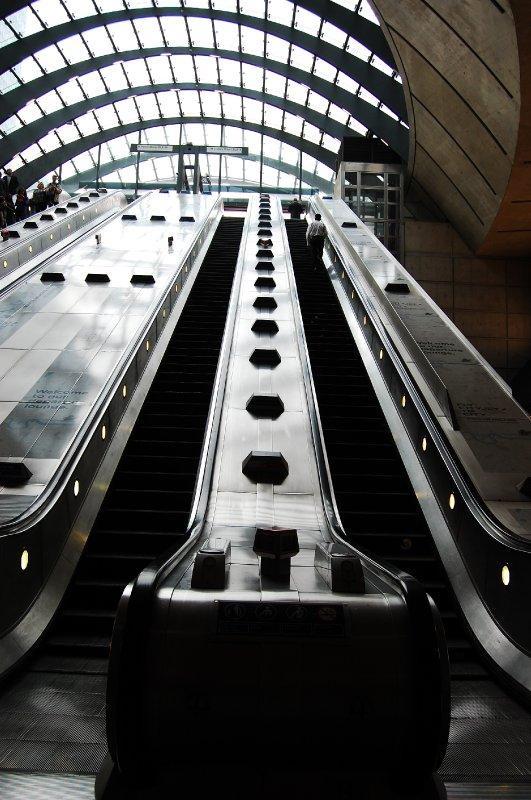 Canary Wharf Tube 6