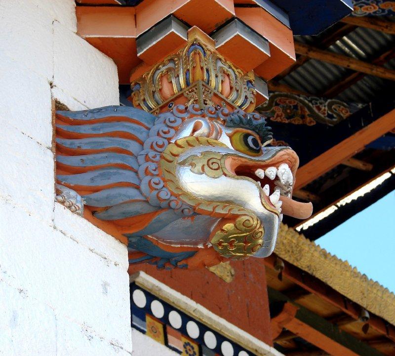 Snow lion decorating Zhangto Pelri Lhankhang