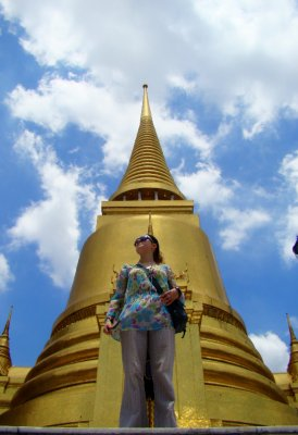 julia and stupa in grand palace