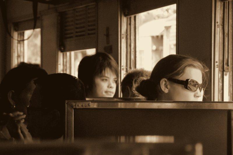 train to ayutthaya