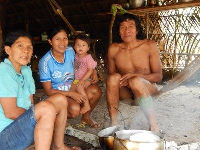 Nai_and_family.jpg
