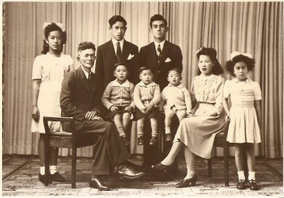 Sok Gong My Grand Uncle, his family and my Mothers family.