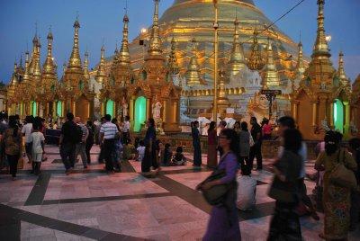 Shwedagon_4.jpg