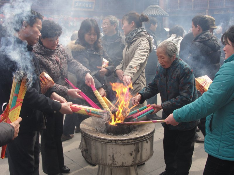 Shanghai God's temple incense urn