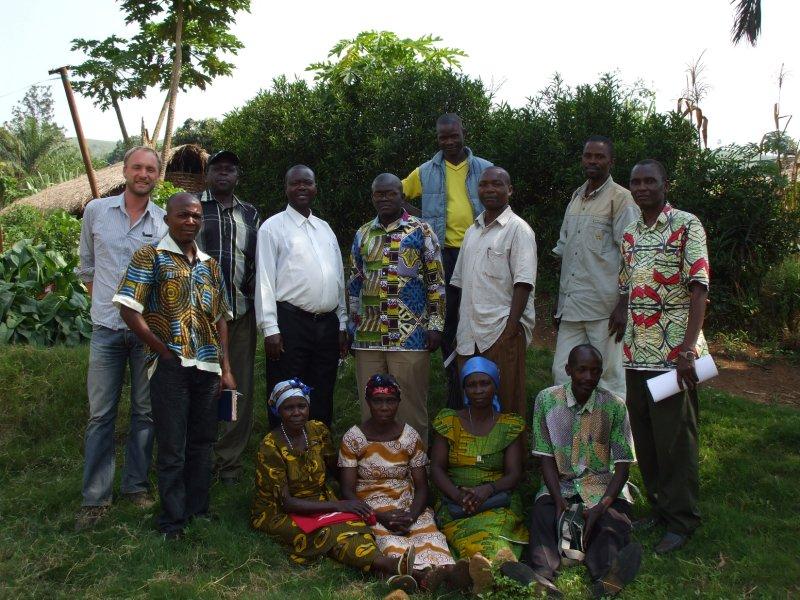 dorpsvergadering in Nyankunde