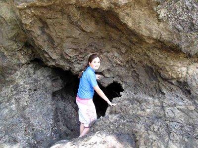 3Whakatane_..ng_cave.jpg