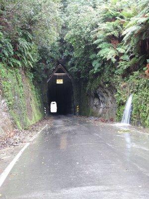 Moki-Road-tunnel